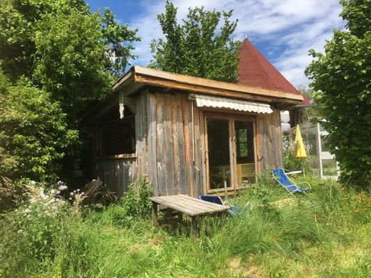 komfortable Retreathütte mit Holzofen bei United Nature in Weitnau