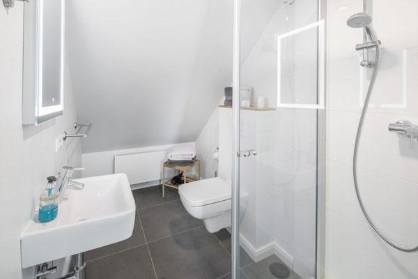 Ferienwohnung Norderney Dusche / Badezimmer 1 im Loft E im Strandloft 2 © norderney.top - Ferienwohnungen auf Norderney