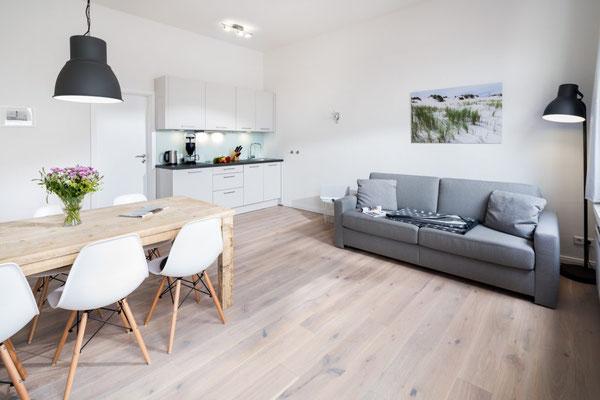 Ferienwohnung Norderney Wohn- Küchen- und Essbereich Loft D im Strandloft 2 © norderney.top - Ferienwohnungen auf Norderney
