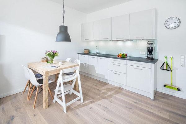 Ferienwohnung Norderney Küchenbereich im Loft A im Strandloft 2 © norderney.top - Ferienwohnungen auf Norderney