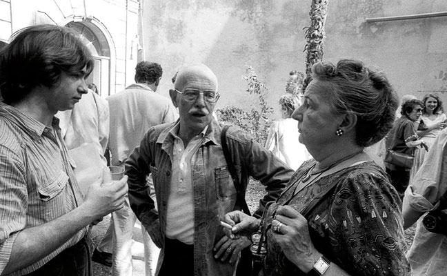 Une des innombrables rencontres chaque jour dans la cour de l'ENP : Christian Caujolle, Willy Ronis et Madame.