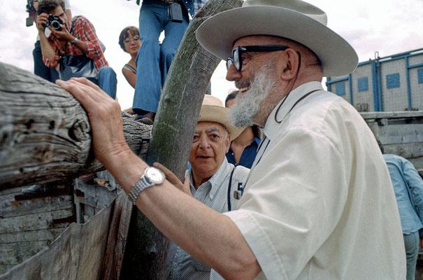 Brassaï et Adams pendant que les taureaux font le spectacle.