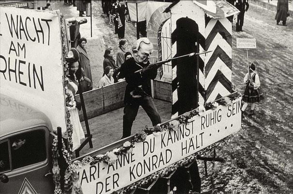 Die Wiederbewaffnungsdebatte, Tagespolitik als Zugnummer 1956. (Stadtarchiv Bad Vilbel)