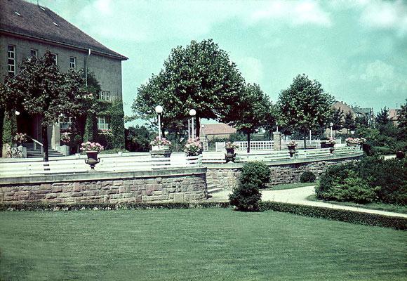 Partie vor dem Kurhaus, ca. 1940 (Nachlass Muhl) - Bearbeitung Wolfram Dietz