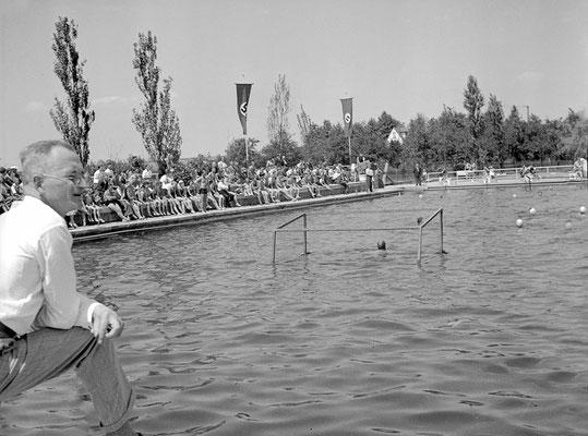 Wasserballspiel anlässlich des Schwimmfestes 1937 (Bestand Otto Weihl)