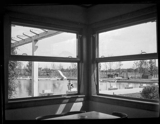 Blick aus der Schwimmbadgaststätte ca. 1938