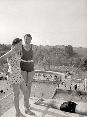 In luftiger Höhe. Blick vom 10-Meter-Turm in Richtung Massenheim ca 1938 (Bestand Otto Weihl)