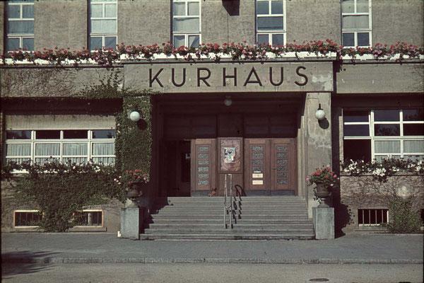 Eingang zum Kurhaus, ca. 1940 (Stadtarchiv, Nachlass Muhl).
