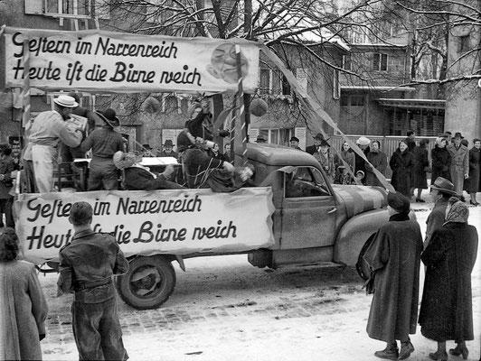 Das ist wohl wahr!  Motiv aus dem Umzug 1955. (Stadtarchiv Bad Vilbel)
