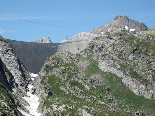 Diga del Lago dei Cavagnöö e Pizzo Cavagnöö