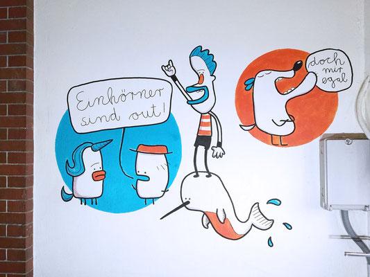 Narwal und Einhorn auf einem Acryl Wandgemälde von Frank Schulz Art, Berlin.