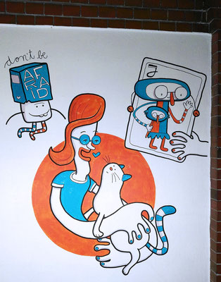 Frau mit Katze und ein Joker auf einem Acryl Wandgemälde von Frank Schulz Art, Berlin.