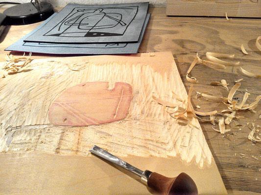 Die Druckplatte für den nächsten Holzschnitt ist bereits in Arbeit.