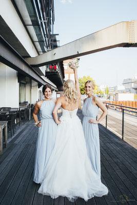 Hochzeitsfotografin Anne Hufnagl aus Hamburg - Braut & Brautjungfern