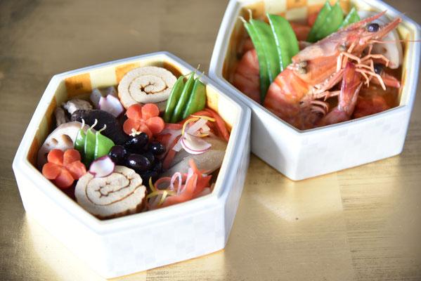 ベジタリアンお節料理と才巻海老の山椒煮 器:渡辺国夫先生