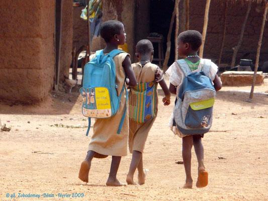Les Filles à l'école