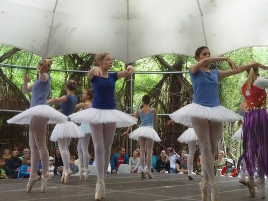 2015-07-11 DANCE