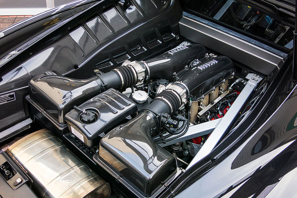 F460GT/R_07_Engine01