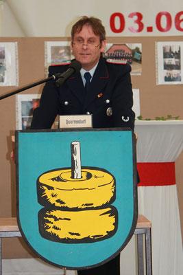 Ortsbrandmeister Norbert Rumsch bei der Jubiläumsfeier 2012