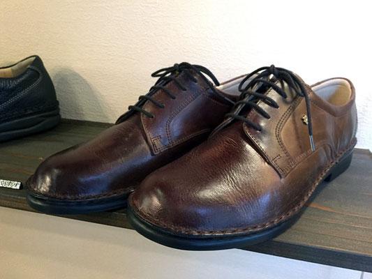 細身の足の男性にぴったりのモデルです!アンティーク調の「ビーバー」 FinnComfort/MILANO