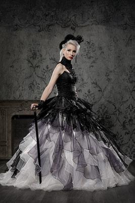 schwarz weiße Hochzeitskleider