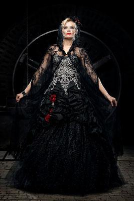 extravagante brautmode- schwarz
