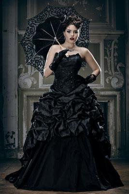 Schwarze Brautmode