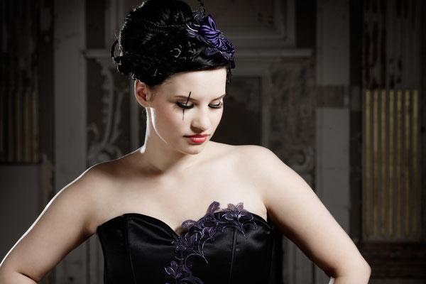 gothic brautkleid in schwarz lila