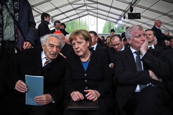 German Chancellor Angela Merkel with concentration camp survivor Max Mannheimer and Bavarian Minister President Horst Seehofer in Dachau, May 2015.