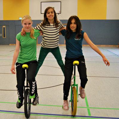 Zoe,Christina,Laura