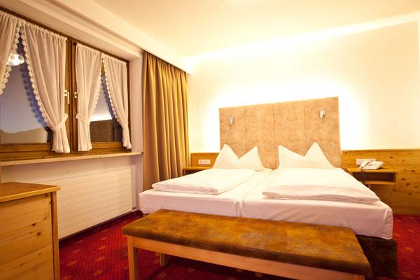 Doppelzimmer mit Teppichboden