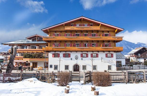 Hotel Mitteregger im Schnee