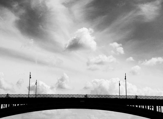Bridge ober troubled water - Rhine