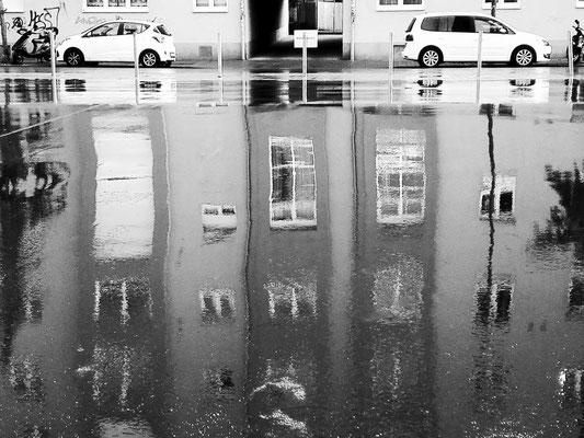 Mirror cars