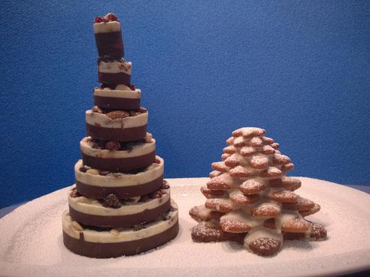 Schoko-Tannenbaum mit Trockenfrüchten und Nüssen + Mürbeteig-Tannenbaum mit Zuckerguß 1/5