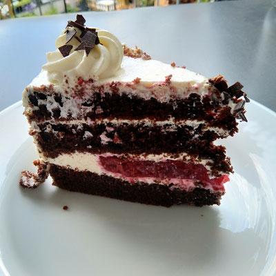 Kirsch-Sahne Torte 2/2