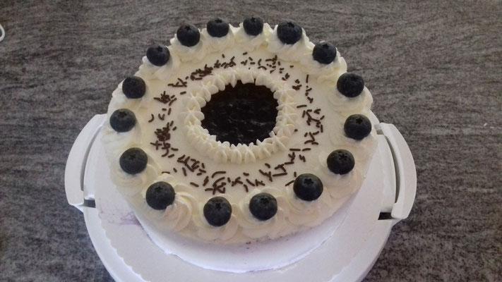 Heidelbeer-Joghurt Torte 1/2