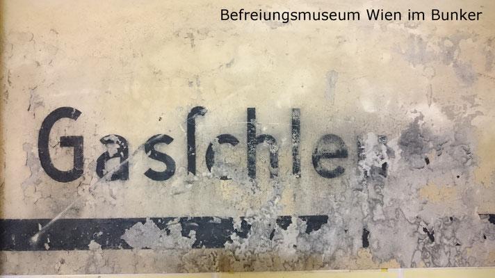Gasschleuese im Bunker (Befreiungsmuseum Wien).