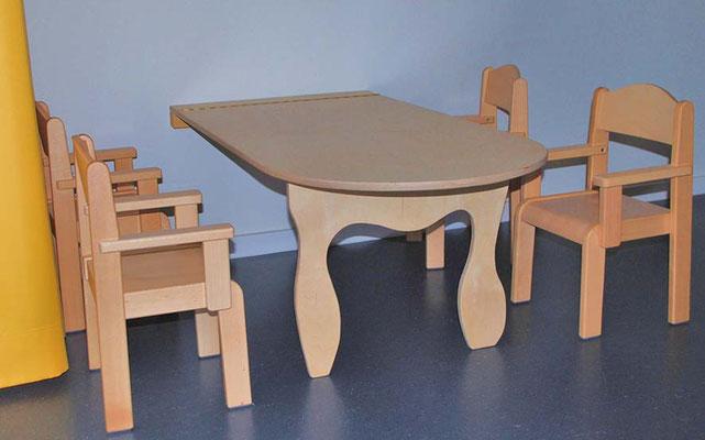 ©ghepetto │ Wandklapptisch 6 mit kleinen Stühlen