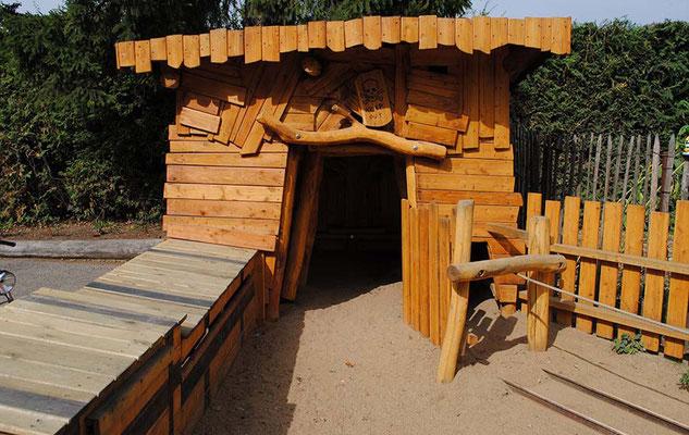 """©ghepetto │ Spielhaus """"Mine"""""""
