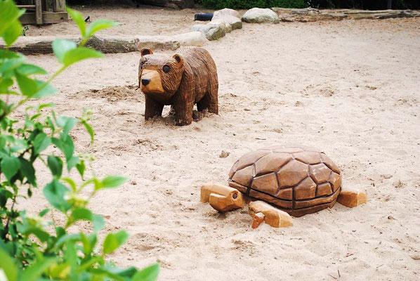 ©ghepetto │ Bär und Schildkröte
