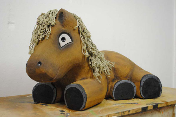 ©ghepetto │ Pferd liegend │ Bestellnummer: 30141