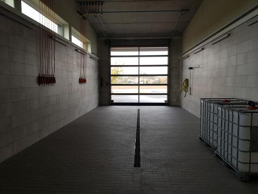 Waschhalle und 4. Stellplatz