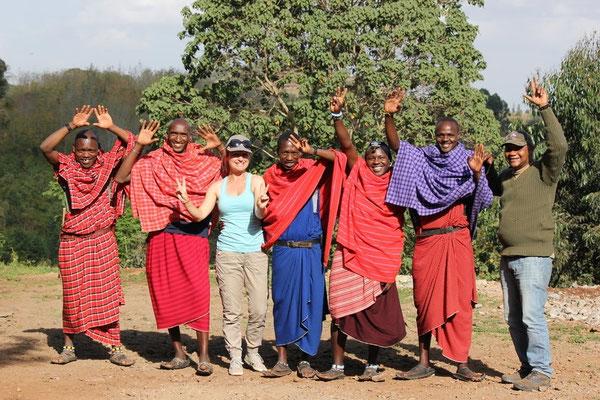 Tanz mit Massai Freunden