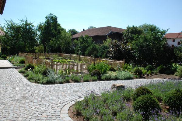 Landschaft für denkmalgeschütztes Bauernhaus