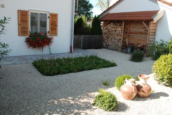 Vorgarten im mediterranen Stil