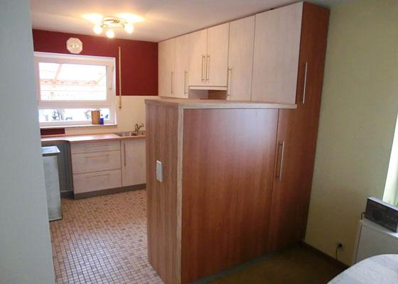 Einbauküche-Platzsparend von außen