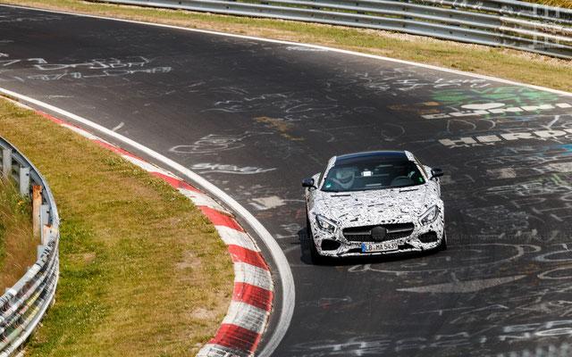 Une AMG GT camouflée... étrange...