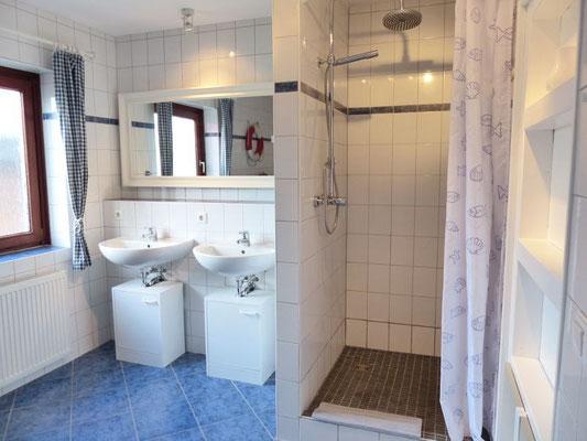 Ferienwohnung an der Schlei Obergeschoss Bad