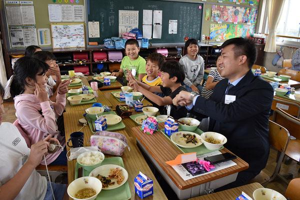 学校給食を体験